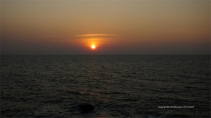 sunrise someshwara beach
